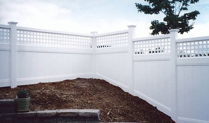 vinyl fence overview pic