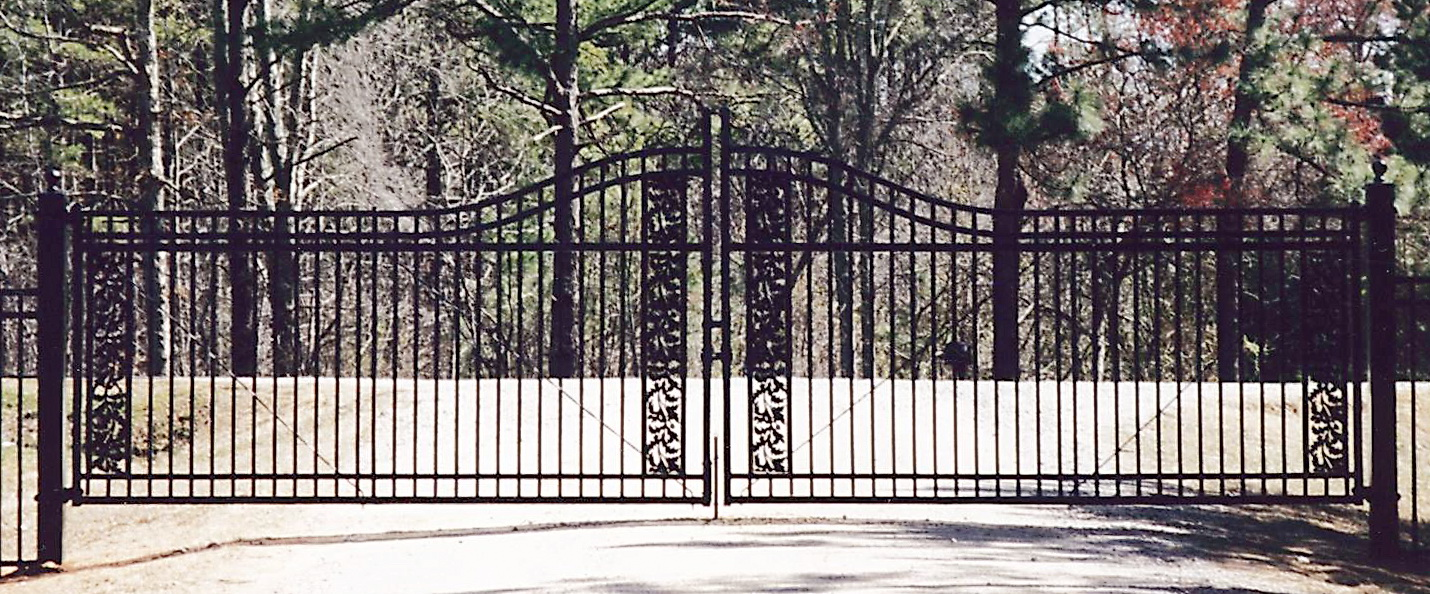 decoratiove ornamental steel gate picture
