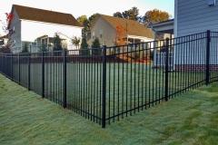 black-aluminum-fencing