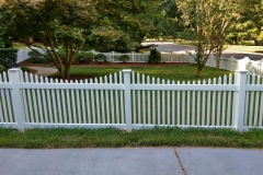 vinyl-picket-fencing